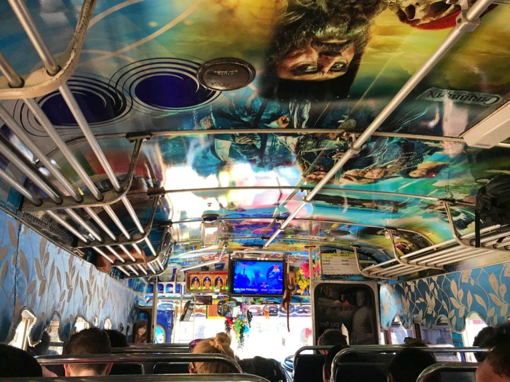 autobusy na Sri Lance